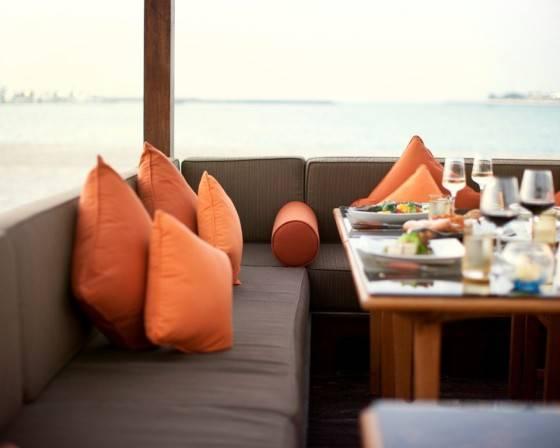 Web_BBQ-Al-Qasr-pavillion-with-beach-view