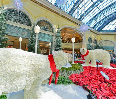 bellagio_conservatory_polarbears_low
