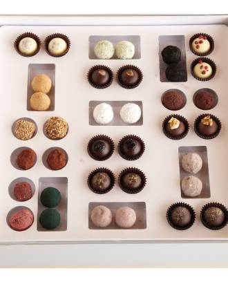 hg-36-truffles-in-box-all-truffles-Large