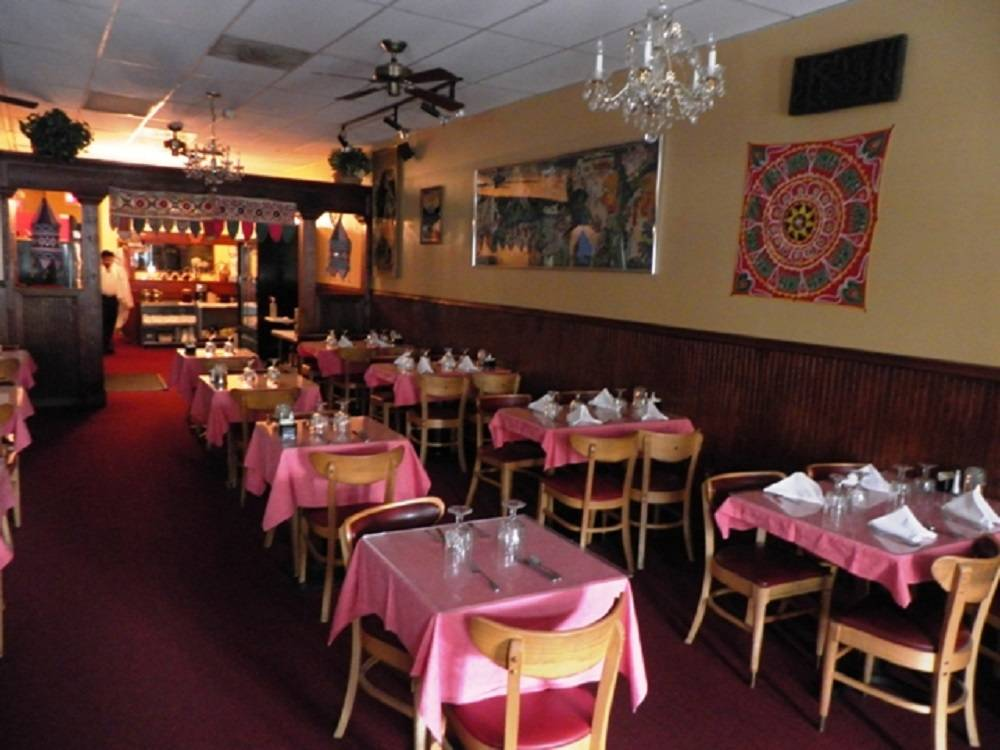 Opening In 1979 This Indian Restaurant Located On Peachtree Road Is One Of The Oldest City He Authentic Cuisine Features Favorites Like