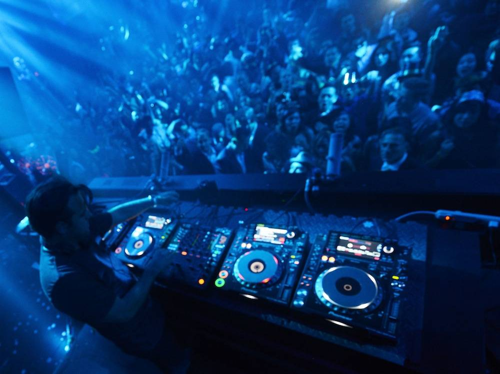 Sebastian Ingrosso Rings In 2014 At LIGHT Nightclub At Mandalay Bay In Las Vegas