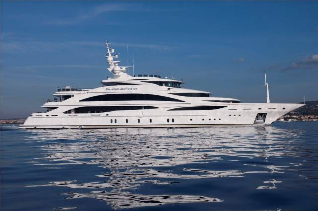 61m-luxury-motor-yacht-Diamonds-are-Forever-to-be-displayed-at-Miami-Boat-Show-2013