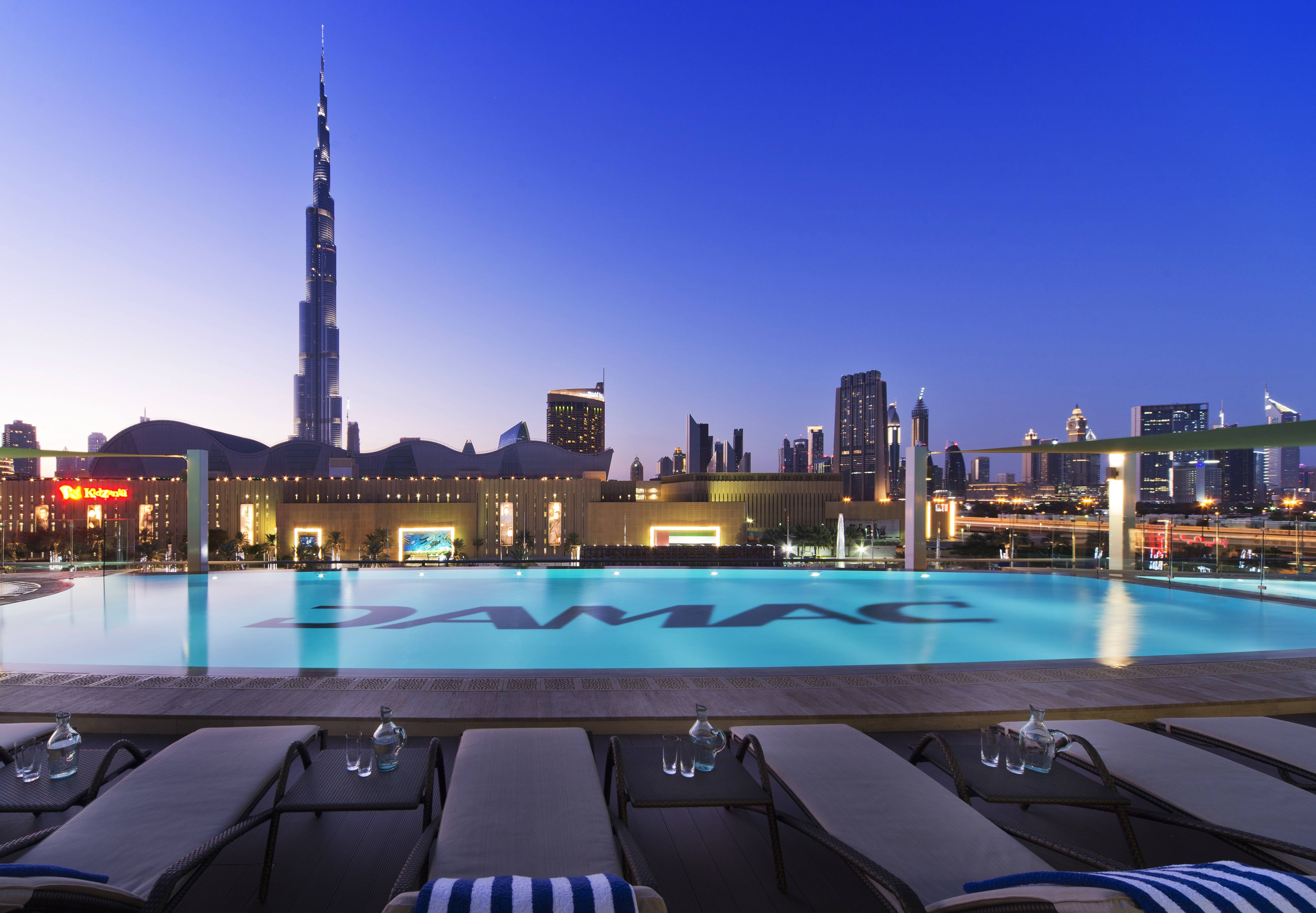 DAMAC Maison Pool_ExteriorBurjView