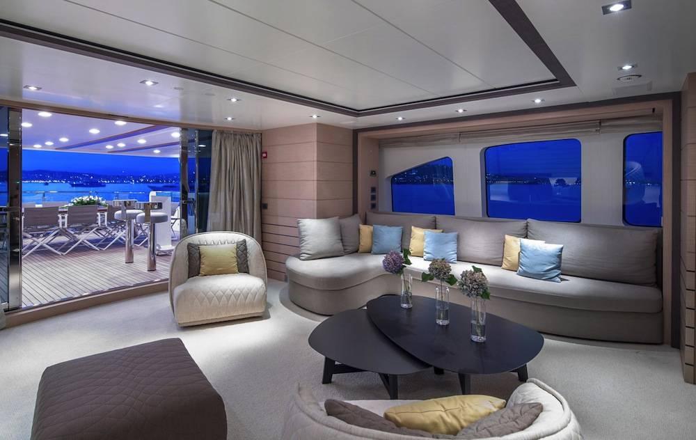 Dyna-r-sky-lounge