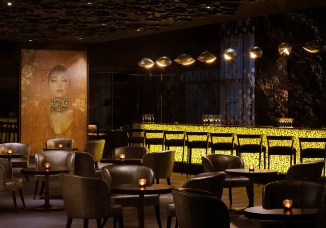 IZEL - Lounge bar