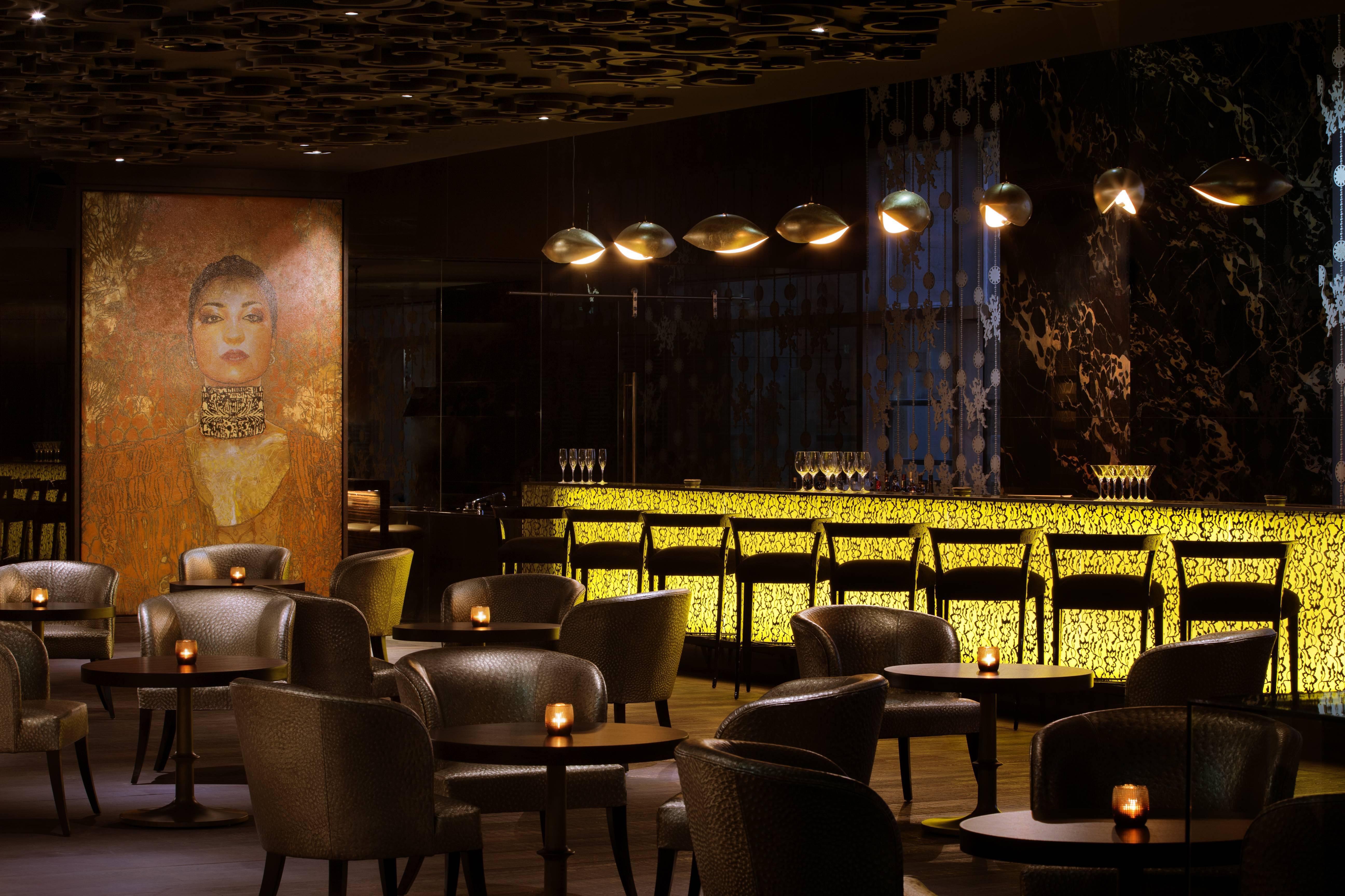 IZEL – Lounge bar