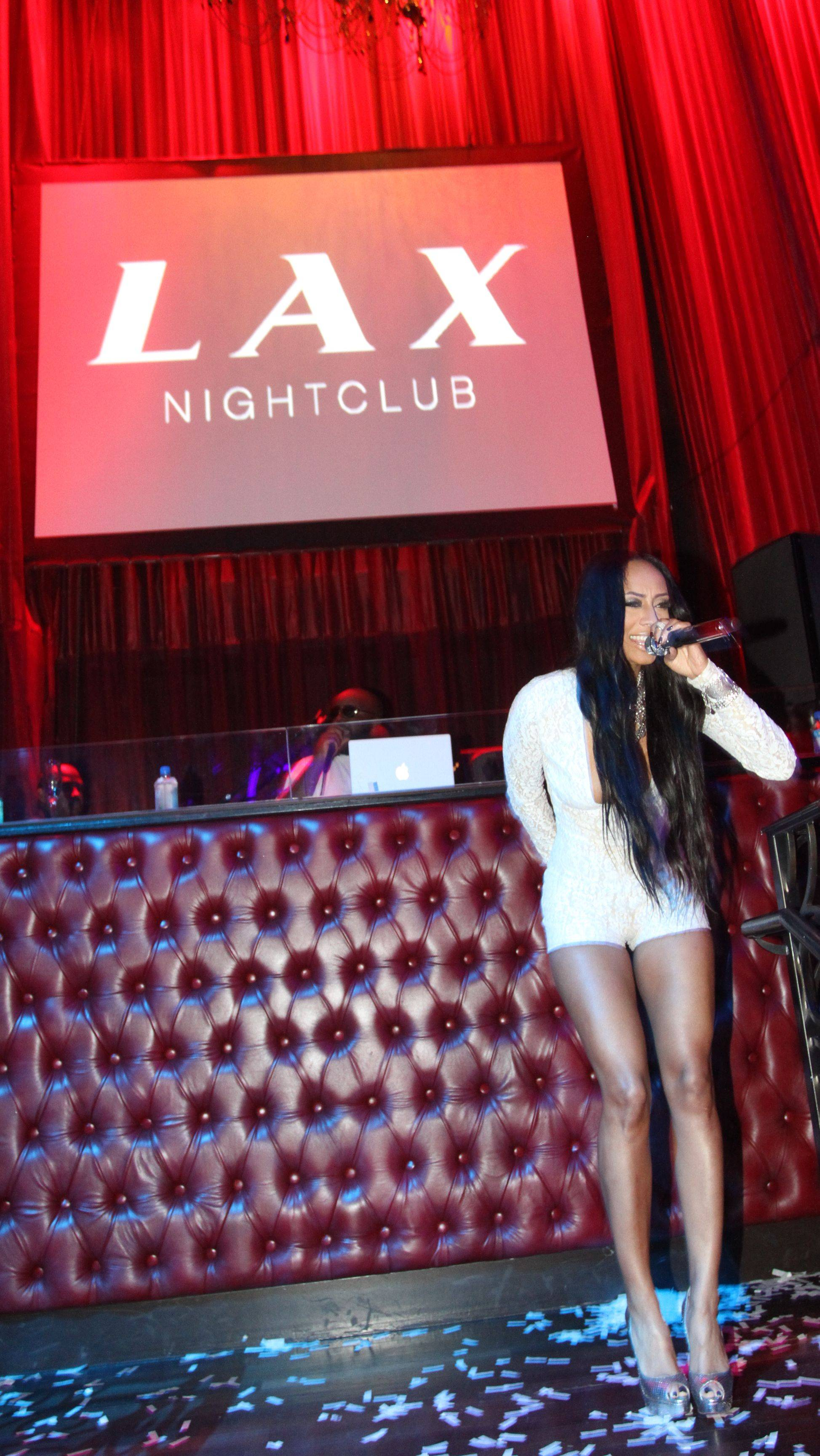 Keri Hilson_performance 2_LAX Nightclub