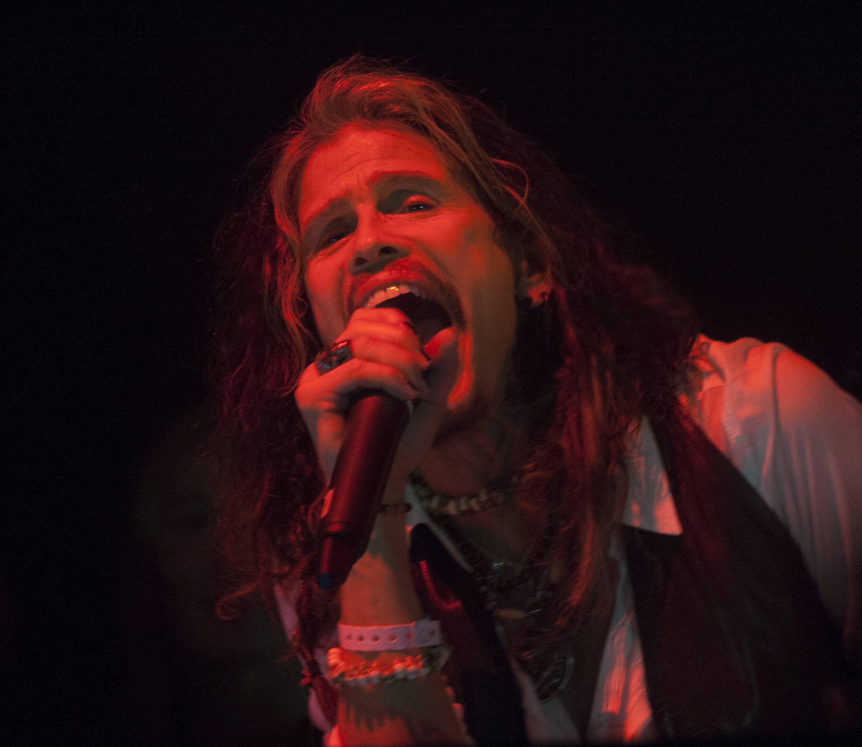 Steven Tyler Performing. 1 OAK LA. 1.23