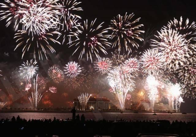 dubai-fireworks-2014-photos