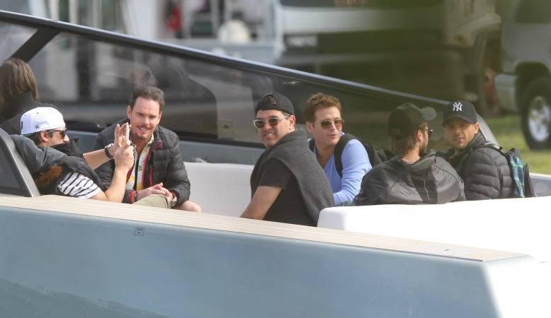 entourage_boat_cast