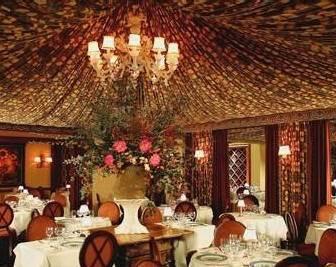 fleurdelys_dining