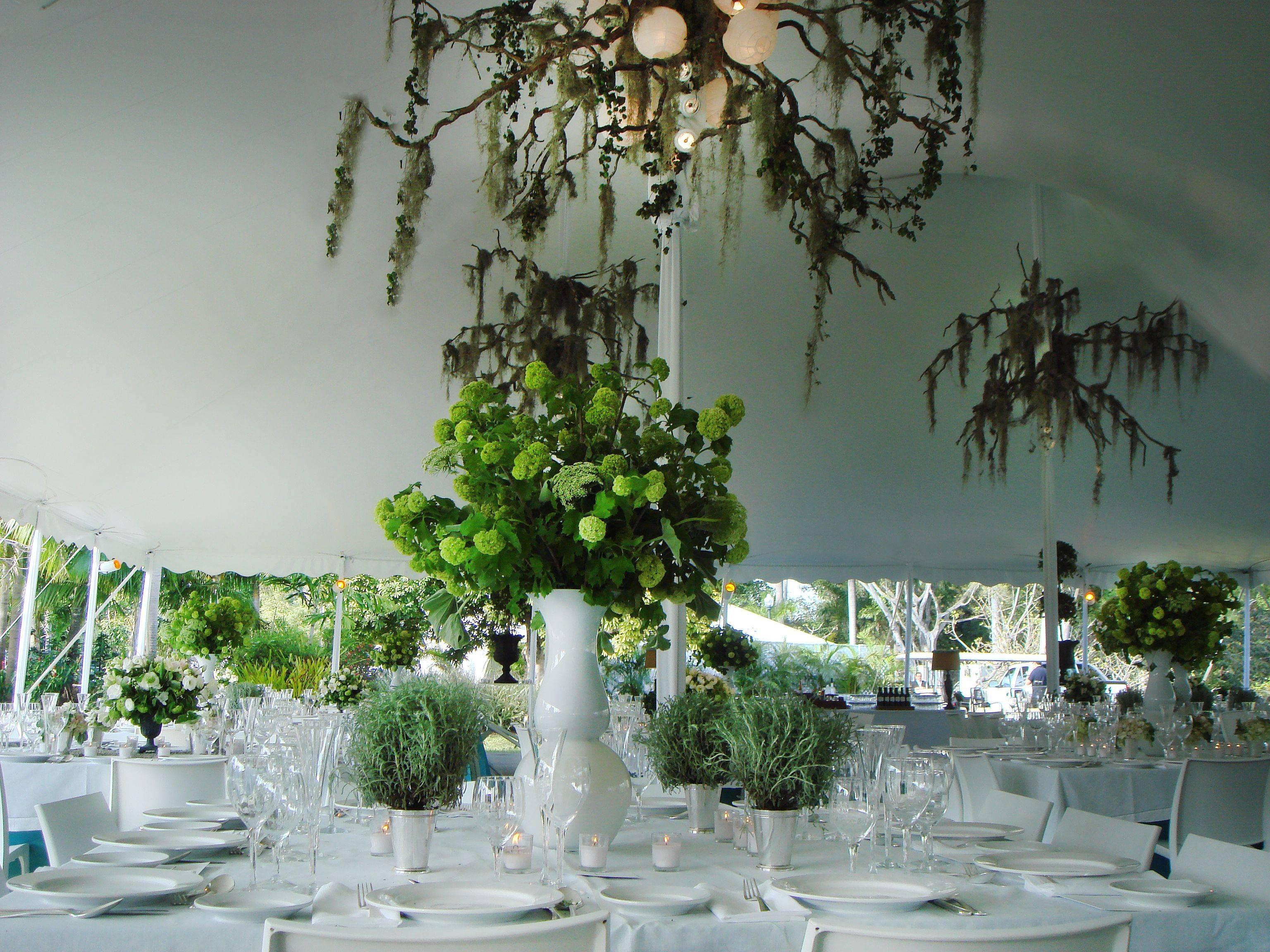 monochrome garden wedding