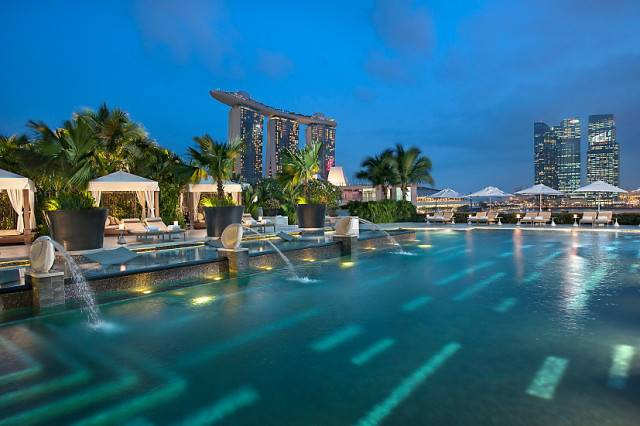 singapore-spa-and-wellness-fitness-and-wellness-pool-2