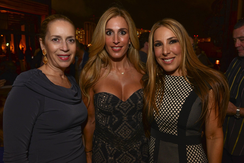 Alicia Cervera, Jennifer Cervera & Christina Gort01