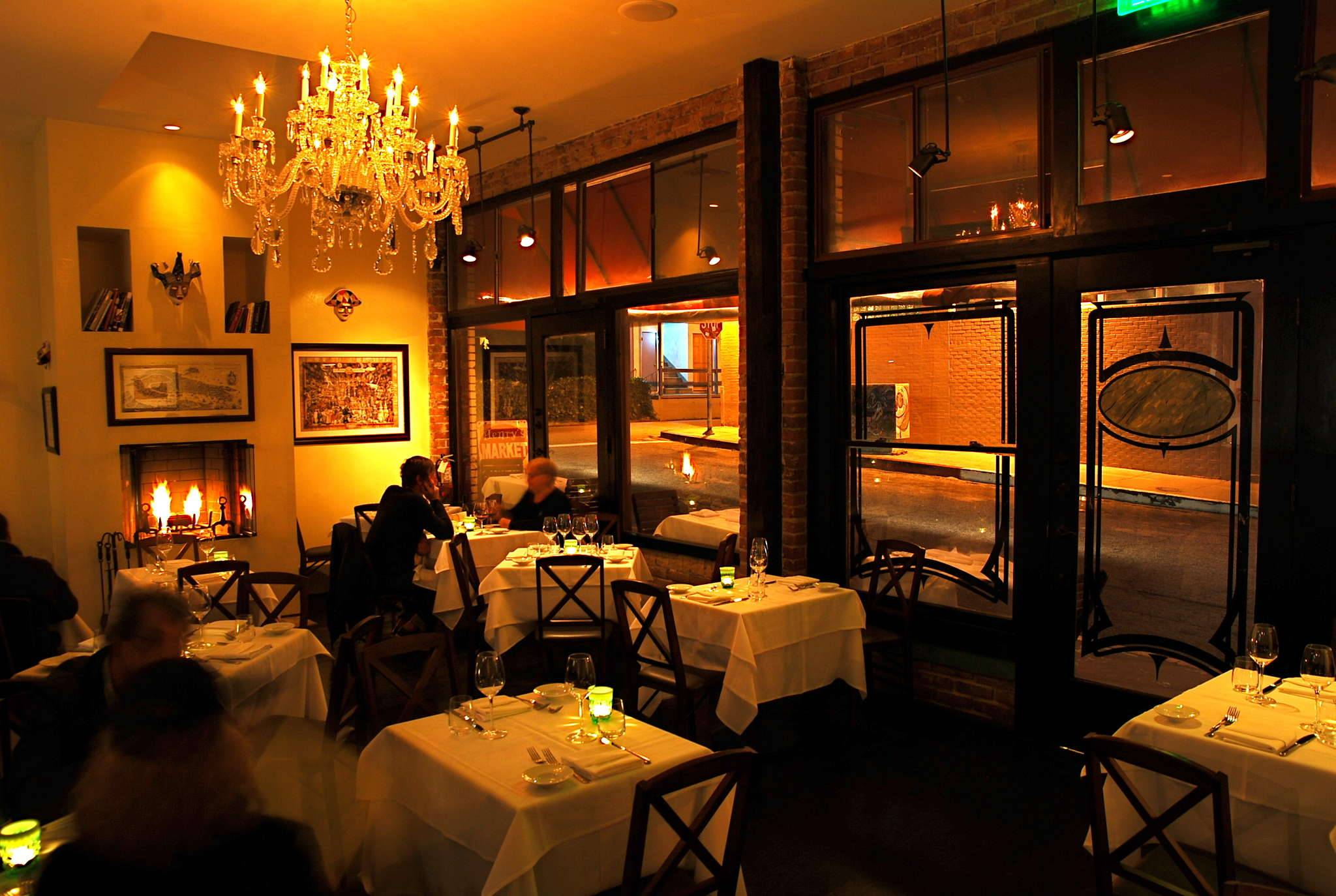 Top 5 romantic restaurants in los angeles orange county for Romantic restaurants in california