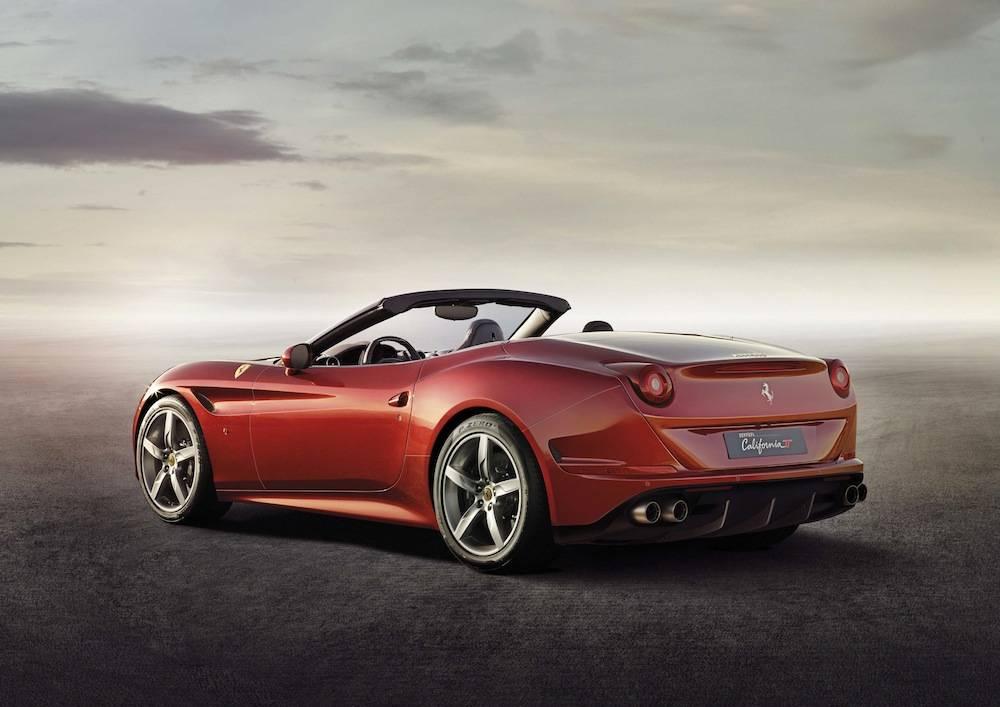 Ferrari_California_T...001