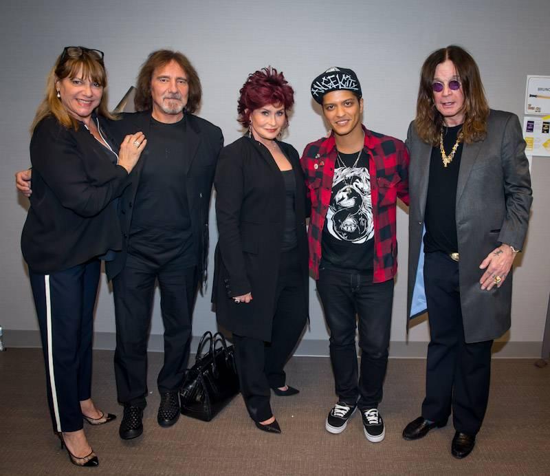 Gloria Butler, Terry Butler, Sharon Osbourne, Bruno Mars and Ozzy Osbourne at The Cosmopolitan_kabik-11