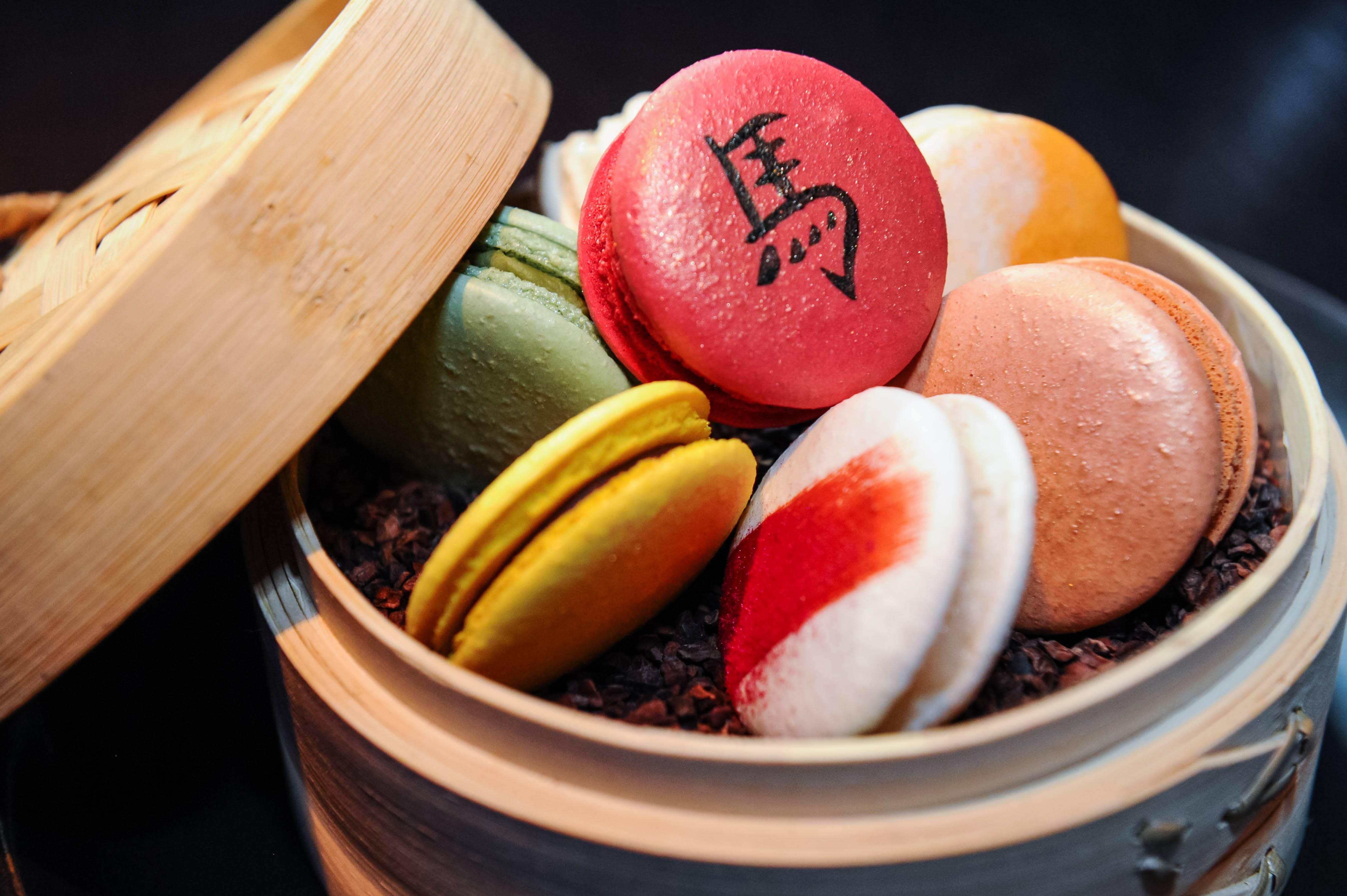 Red macaron_Hakkasan_BH