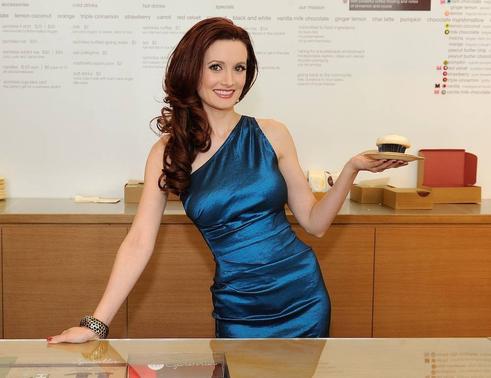 Holly Madison Is The First Person To Use The Cupcake ATM At The Grand Opening Of Sprinkles Cupcakes Las Vegas!