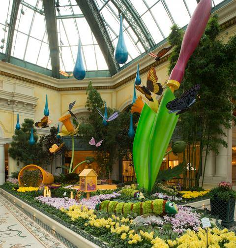 BellagioConservatorySpring2014OversizedShovel_low