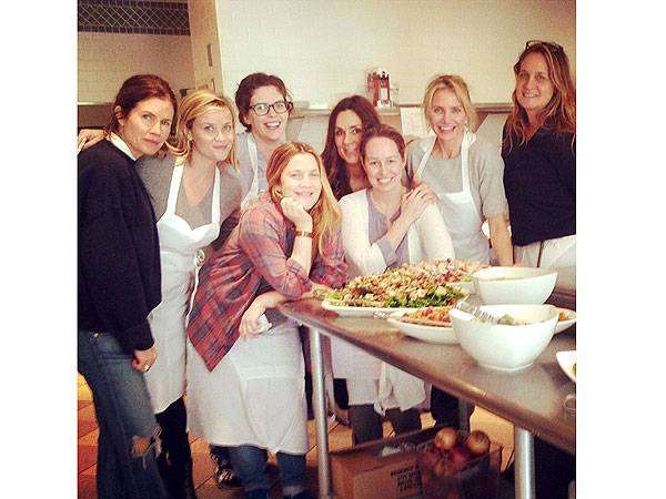 Reese Witherspoon (second from left), Drew Barrymore (center) and Cameron Diaz (second from right) with pals in Napa SOURCE: People.com  COURTESY CAMERON DIAZ