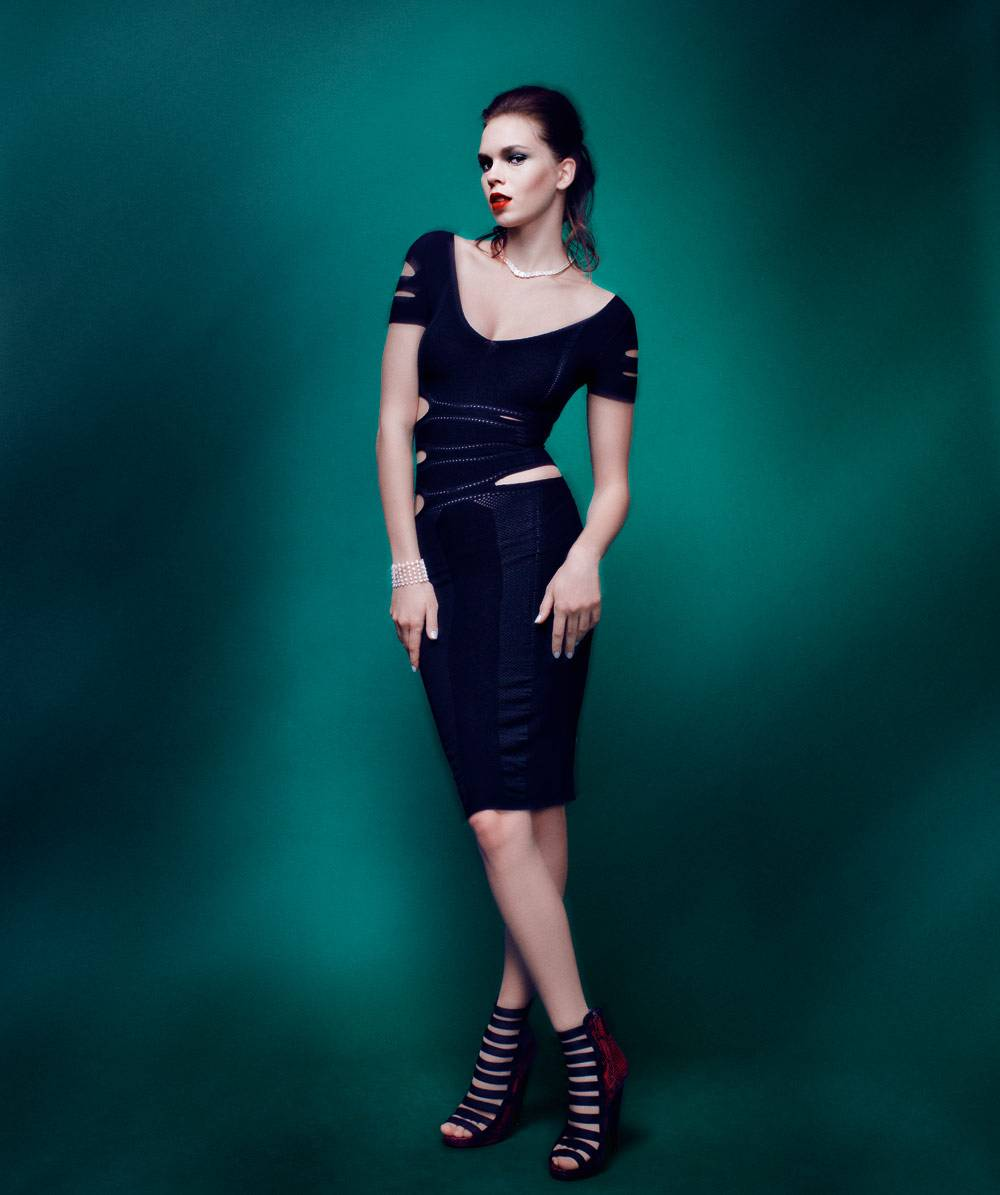 CUSHNIE ET OCHS     Cut-out knit dress ($1,395) available at Hirshleifers, 2080 Northern Boulevard, Manhasset, NY; (516) 627-3566. GUCCI     Open toe python bootie ($1,495) available at Gucci, 8500 Beverly Boulevard, Beverly Hills, CA; (310) 652-0375 and 240 Stockton Street, San Francisco, CA; (415) 392-2808. LEVIEV     Necklace totaling 274.8 carats of diamonds handcrafted in platinum (price upon request) and diamond bracelet totaling 24.99 carats of diamonds handcrafted in platinum (price upon request) available at Leviev, 700 Madison Avenue, New York, NY;  (212) 763-5300. CUSHNIE ET OCHS     Cut-out knit dress ($1,395) available at Hirshleifers, 2080 Northern Boulevard, Manhasset, NY; (516) 627-3566. GUCCI     Open toe python bootie ($1,495) available at Gucci, 8500 Beverly Boulevard, Beverly Hills, CA; (310) 652-0375 and 240 Stockton Street, San Francisco, CA; (415) 392-2808. LEVIEV     Necklace totaling 274.8 carats of diamonds handcrafted in platinum (price upon request) and diamond bracelet totaling 24.99 carats of diamonds handcrafted in platinum (price upon request) available at Leviev, 700 Madison Avenue, New York, NY;  (212) 763-5300.