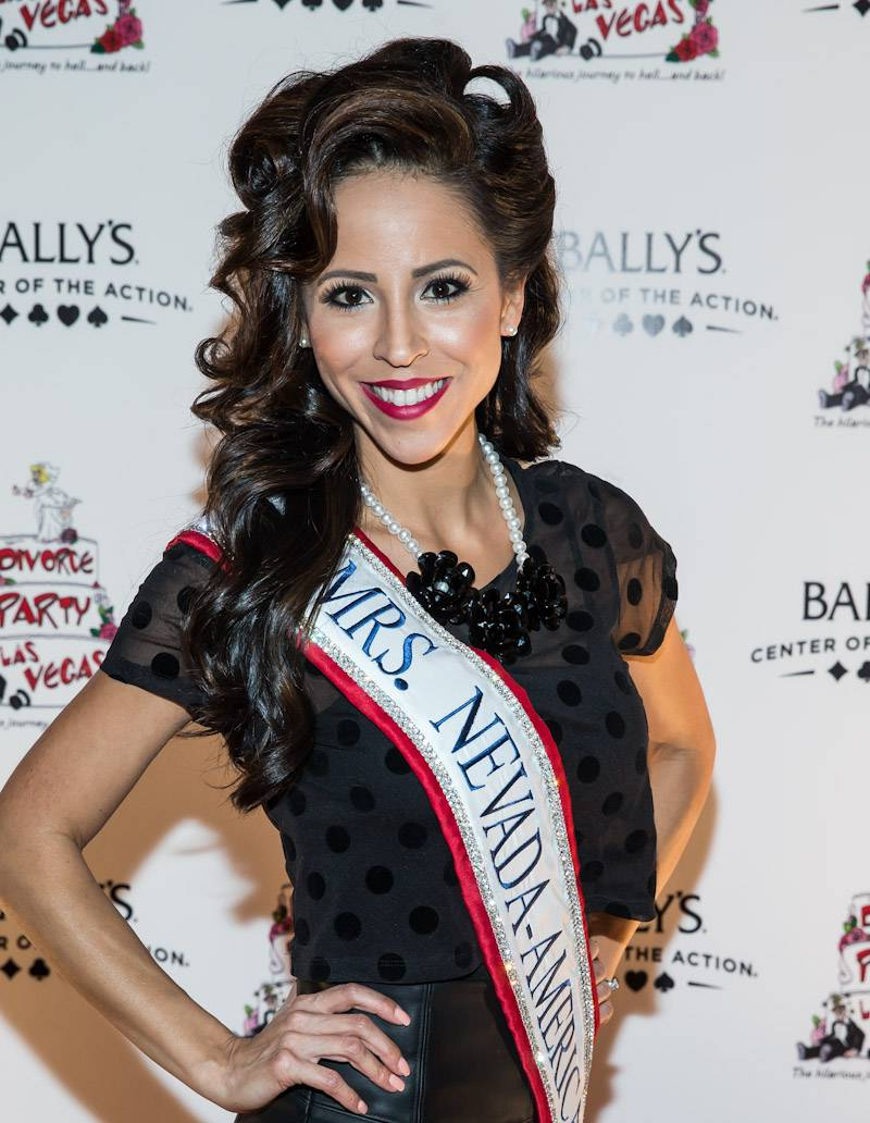 Mrs. Nevada 2014 Lavetta Schneider at Divorce Party Las Vegas red carpet (photo credit Erik Kabik_Retna)