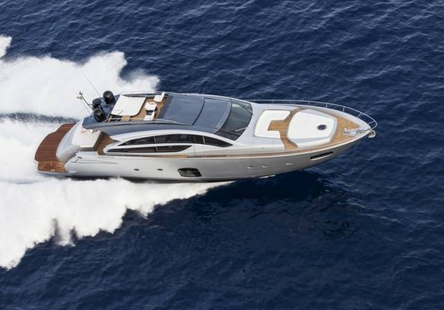Pershing-82-superyacht