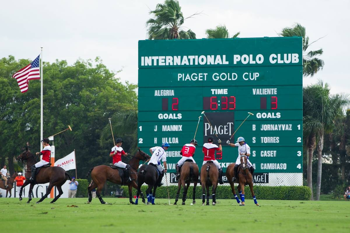 Polo atmosphere