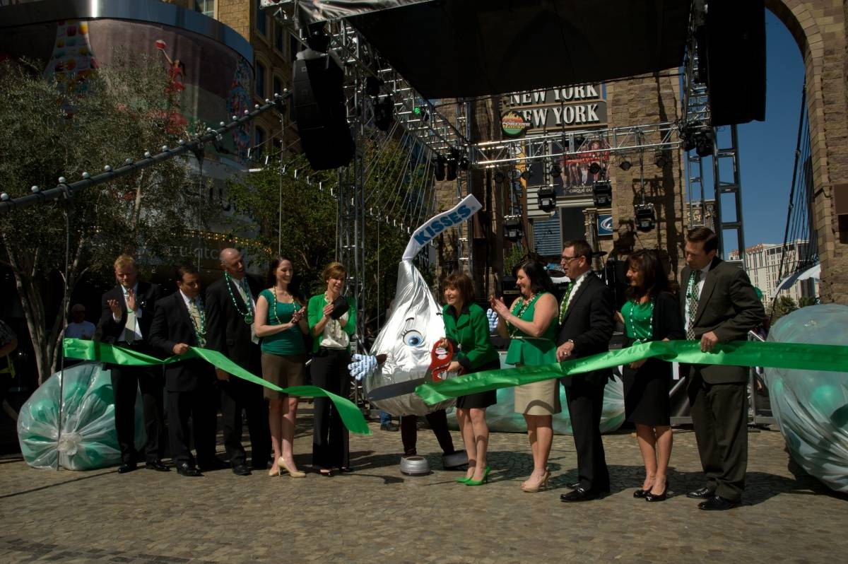 Ribbon Cutting at New York-New York March 15 (2)