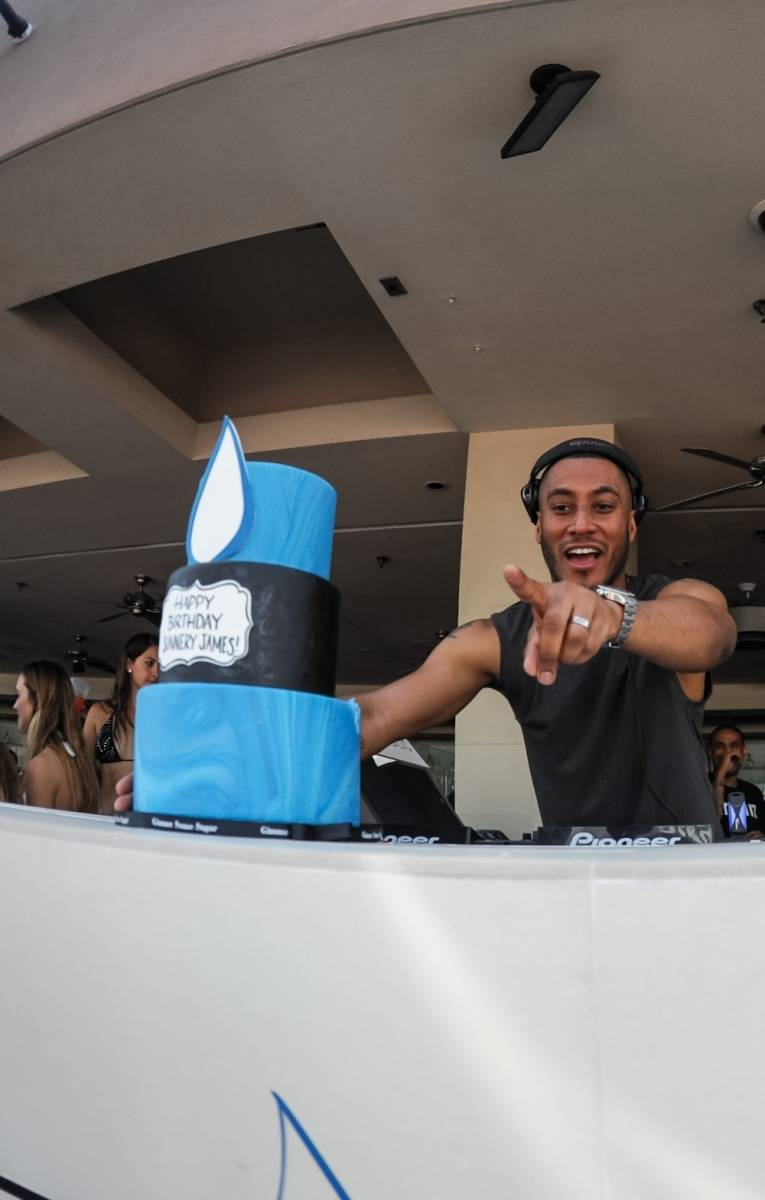 Sunnery James Birthday Cake_WET REPUBLIC