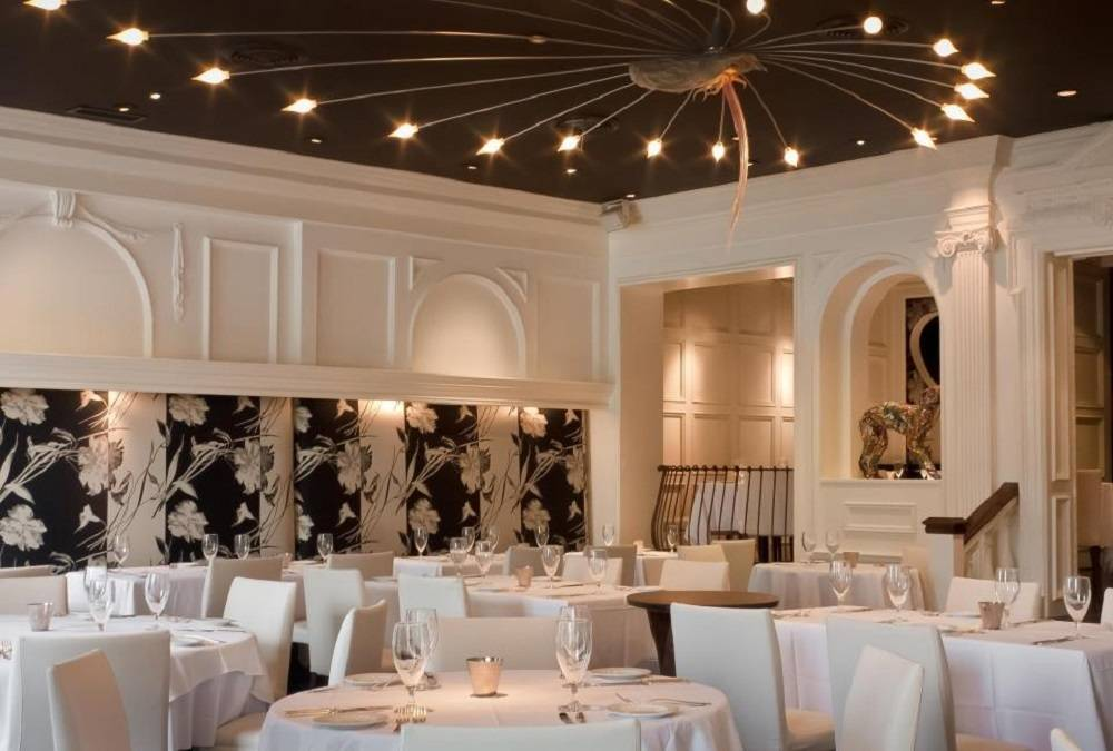 Regarded As One Of The Finest Restaurants In Atlanta This Buckhead Dining Room Specializes Modern American