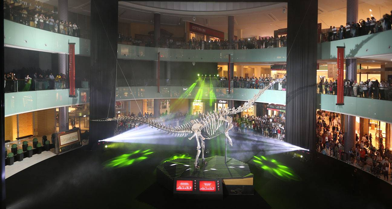wpid-The-Dubai-Mall-Dinosaur-Unveil-e1394781886535.jpg