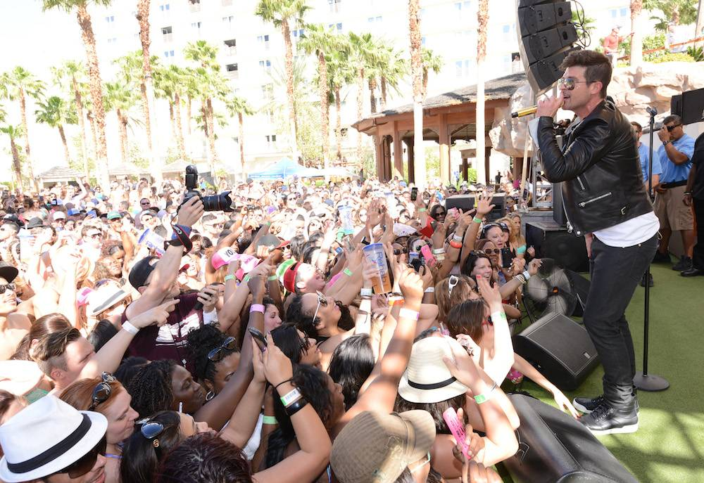 04.12_Robin Thicke_REHAB_Hard Rock Hotel_Photo Credit Scott Harrison_5
