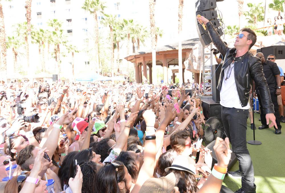 04.12_Robin Thicke_REHAB_Hard Rock Hotel_Photo Credit Scott Harrison_6