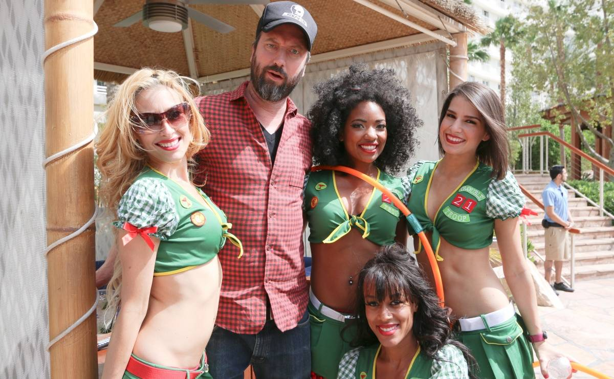 04.25_Tom Green_Summer Camp_Paradise Beach_Hard Rock Hotel & Casino_Photo Credit Benjamin Gordon