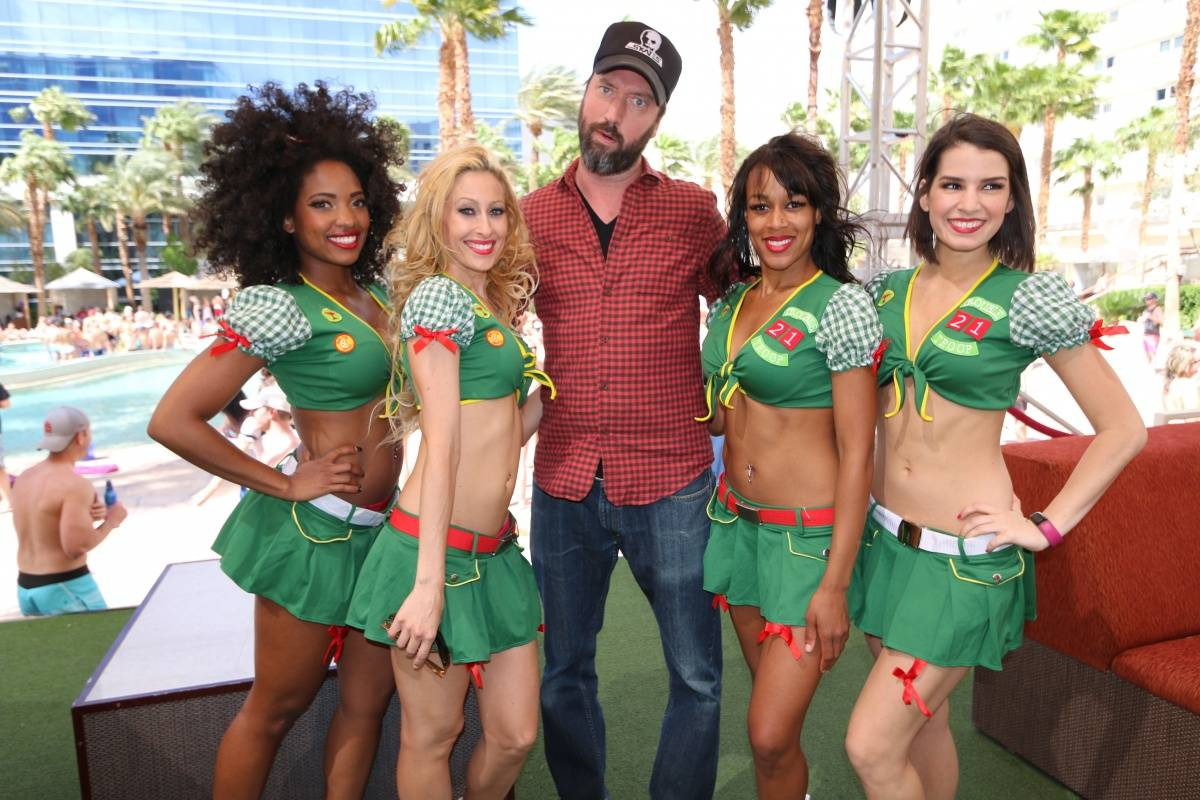 04.25_Tom Green_Summer_Camp_Paradise Beach_Hard Rock Hotel & Casino_Photo Credit Benjamin Gordon_2