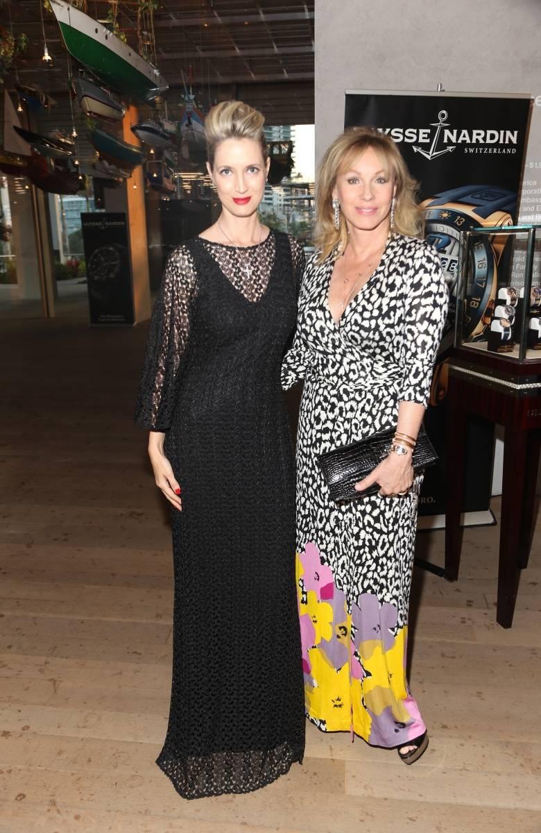 Hadley Henriette and Lea Black