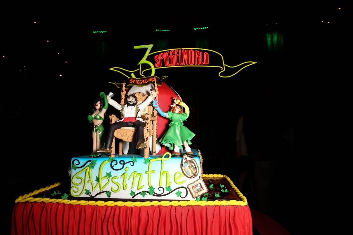 ABSINTHE Third Anniversary Cake 4.16.14 ©Gabe Ginsberg-Vegas Kool (3)