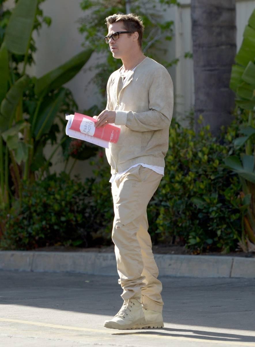 Brad_Pitt_Paris_Photo_Los_Angeles_2014