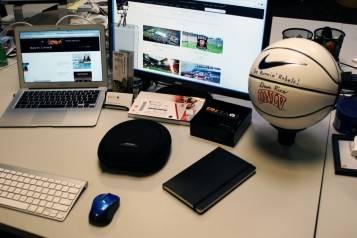 Fandeavor Desk