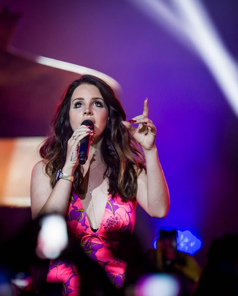 Lana Del Rey Performs at The Chelsea at The Cosmopolitan of Las Vegas April 11_kabik-9