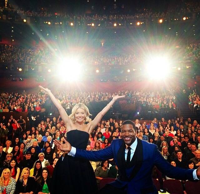 Live Kelly & Michael Post Oscars Show.socialmedia