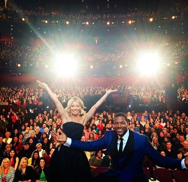Live Kelly & Michael Post Oscars Show.socialmedia