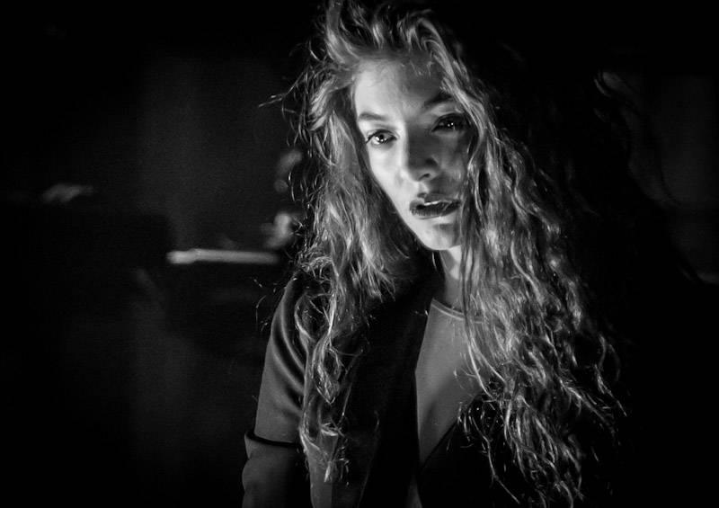 Lorde Performs at Boulevard Pool at The Cosmopolitan of Las Vegas April 15_KABIK-230
