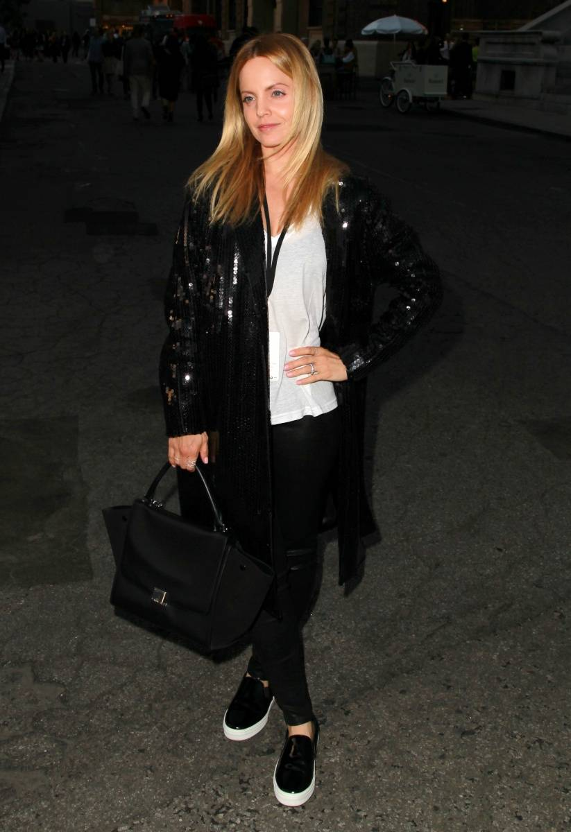 Mena_Suvari_Paris_Photo_Los_Angeles_2014