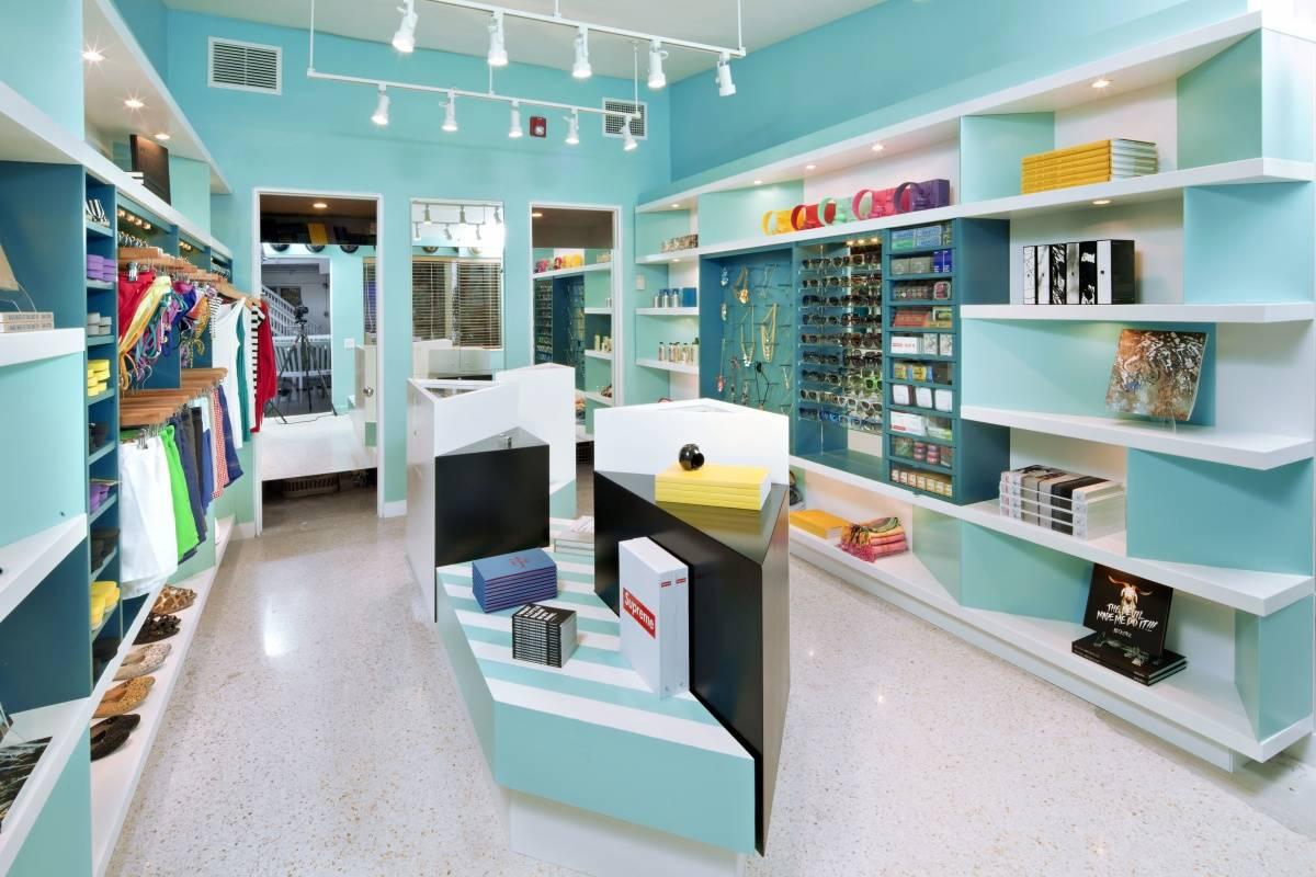 StndMIA_Shop1_ByFloto+Warner