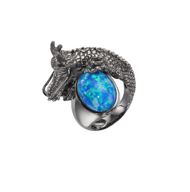 la-ar-maleficent-merchandise-lipstick-jewelry--009