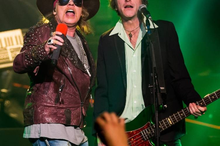 05.21_Axl Rose and Tommy Stinson_The Joint_Photo Credit Erik Kabik