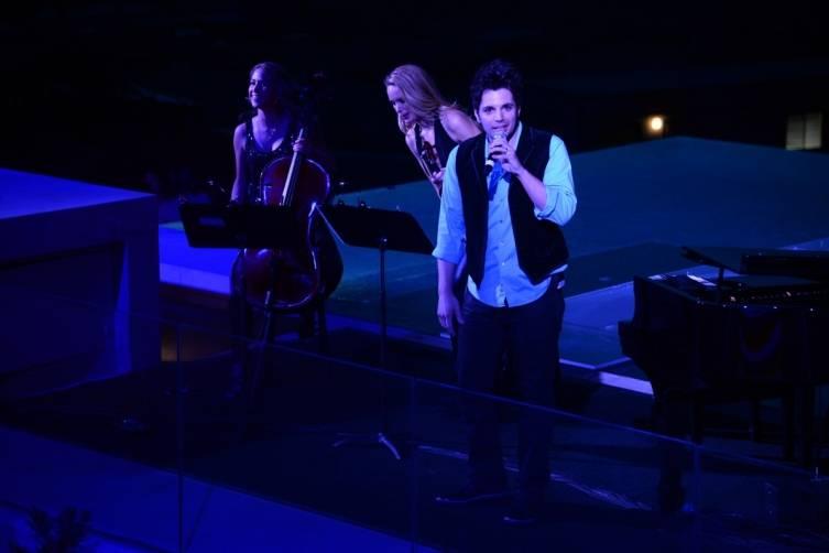 15- William Joseph performs